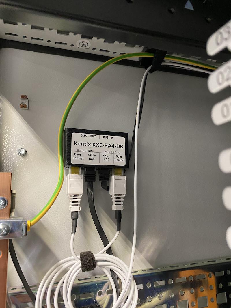 Verteiler-Box Set für IT-Rack Schließsystem KXC-RA4 mit Magnetkontakten